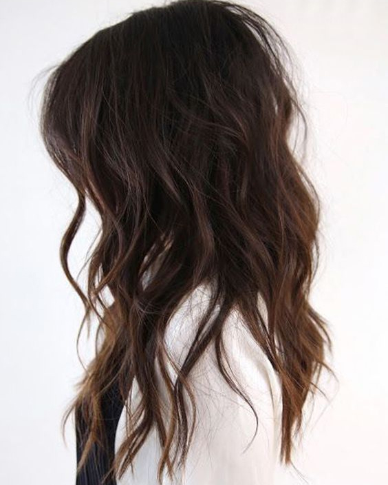Stylish Wavy Hairstyles for Medium Length Hair 2019