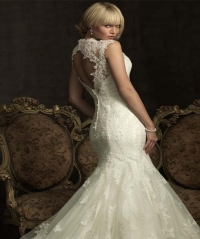 Tips for accessorizing your wedding dress
